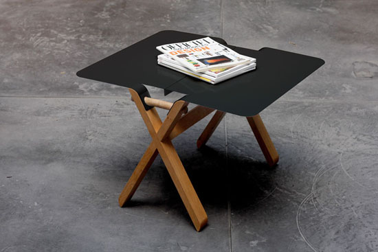 Easy portable folding table