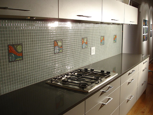 Tile on an apron for kitchen
