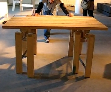 Table which walks itself